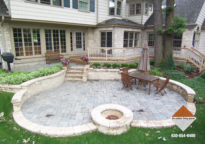 Patio pavers paving stones custom patio design d m for Circular garden decking